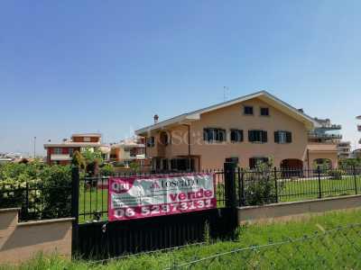 Villa in Vendita a Roma via Leonardo Bistolfi Acilia Dragona Ostiense Ostia Antica Vitinia