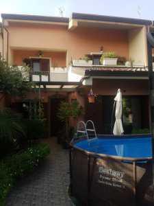 Villa a Schiera in Vendita a Paternò Zona Scala Vecchia