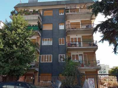 Appartamento in Vendita a Roma via Sisto iv
