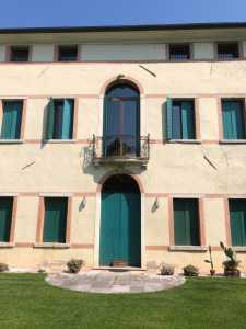 Ufficio in Affitto a Rossano Veneto via Roma Rossano Veneto Centro