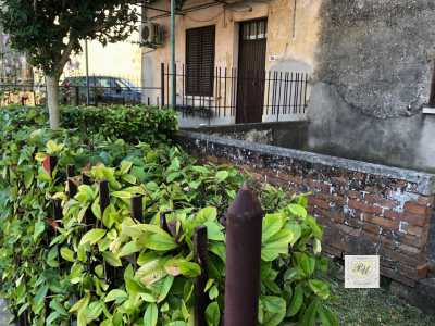 Villa Trifamiliare in Vendita a Borgo Veneto via Roma