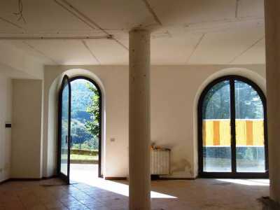 Locale Commerciale in Affitto a Borgo San Lorenzo ronta