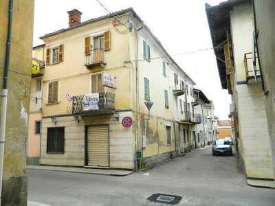 Palazzo Stabile in Vendita a Buttigliera D