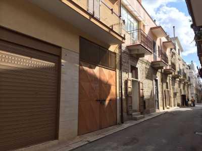 Deposito Magazzino in Vendita a Ruvo di Puglia via Fieramosca, Corso Cotugno