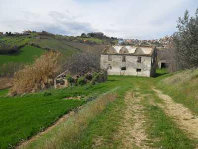 Rustico Casale Corte in Vendita a Colonnella Contrada San Martino