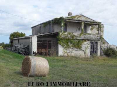 Agriturismo in Vendita a Civitella del Tronto