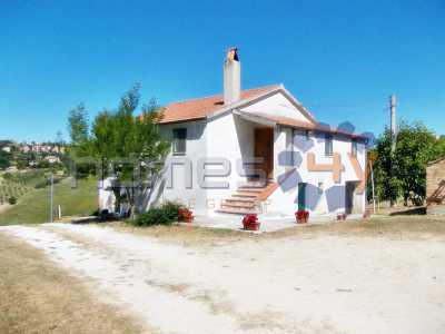 casa indipendente in vendita a montegranaro via palmiro togliatti foto1