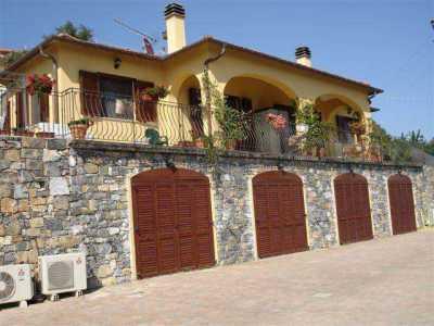 Villa in Vendita a Santo Stefano al Mare a