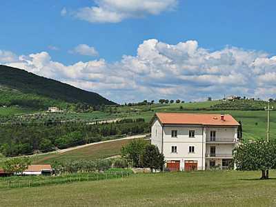 Villa in Vendita a Baschi Località Morre