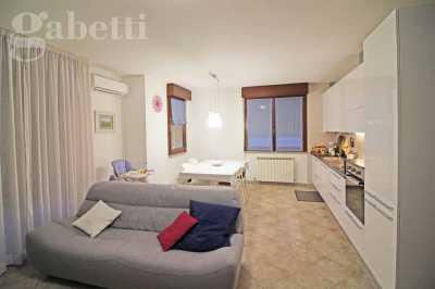 Appartamento in Vendita a Ripe Ripe