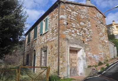 Rustico Casale Corte in Vendita a Santa Luce Pastina