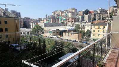 Appartamento in Vendita a Genova via Dell