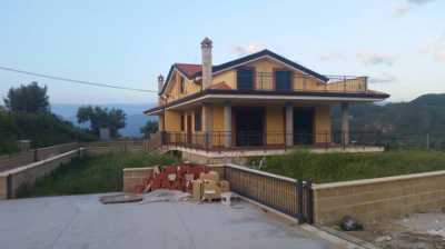 Villa in Vendita a Mendicino Contrada Tivolille