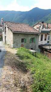 Agriturismo in Vendita ad Isola del Cantone Prarolo