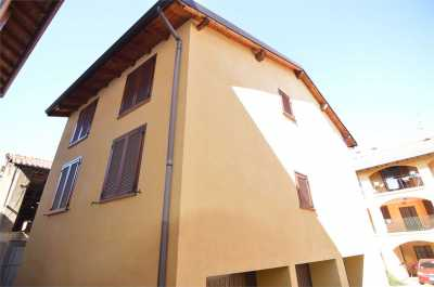 appartamento in Vendita a Fenegrò via moro da fenegrò